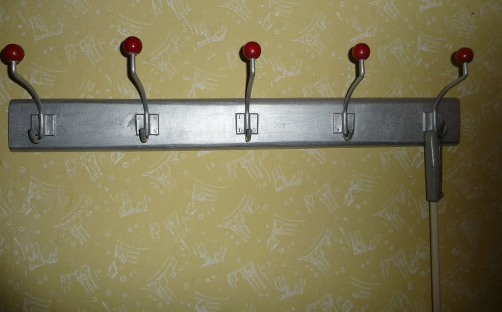 Explore The Reasons And Benefits Of Using Over The Door Hooks
