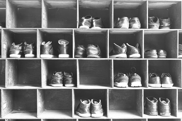 Ideas & Tips To Choose Shoe Storage Space